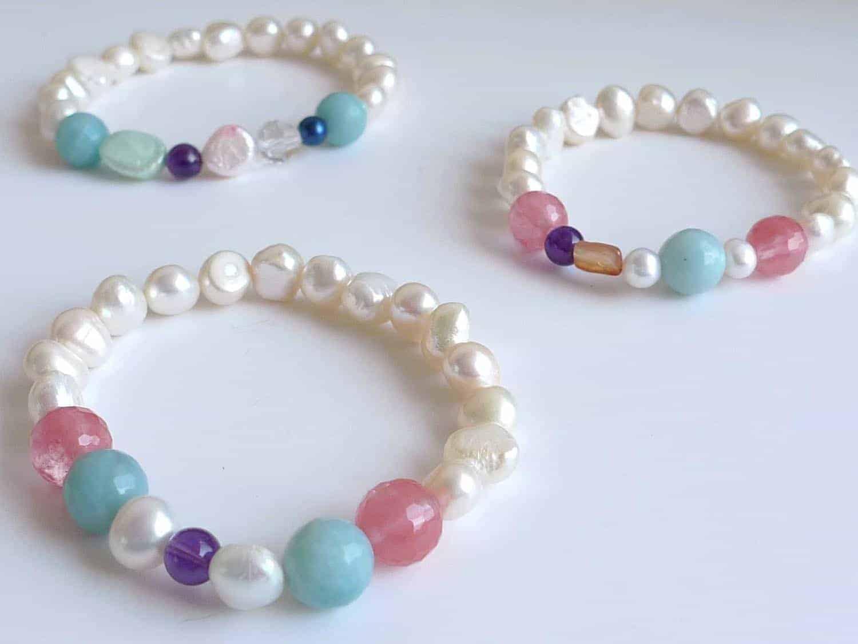 Pulsera de perlas y piedras naturales cuchicuchi regalos for Como hacer color piedra