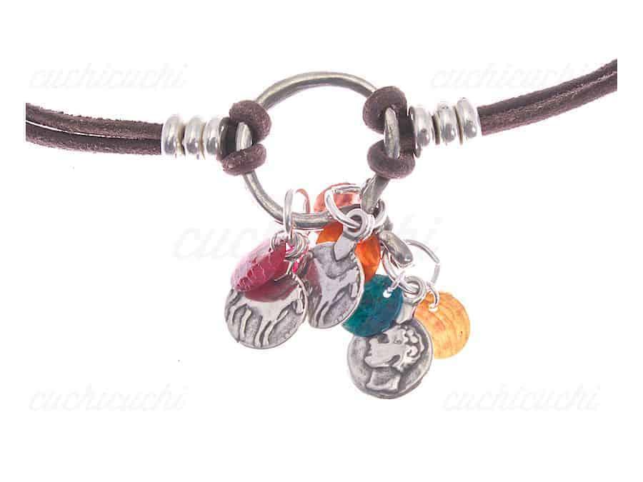 Collar cuero con abanico de colores cuchicuchi regalos for Abanico de colores