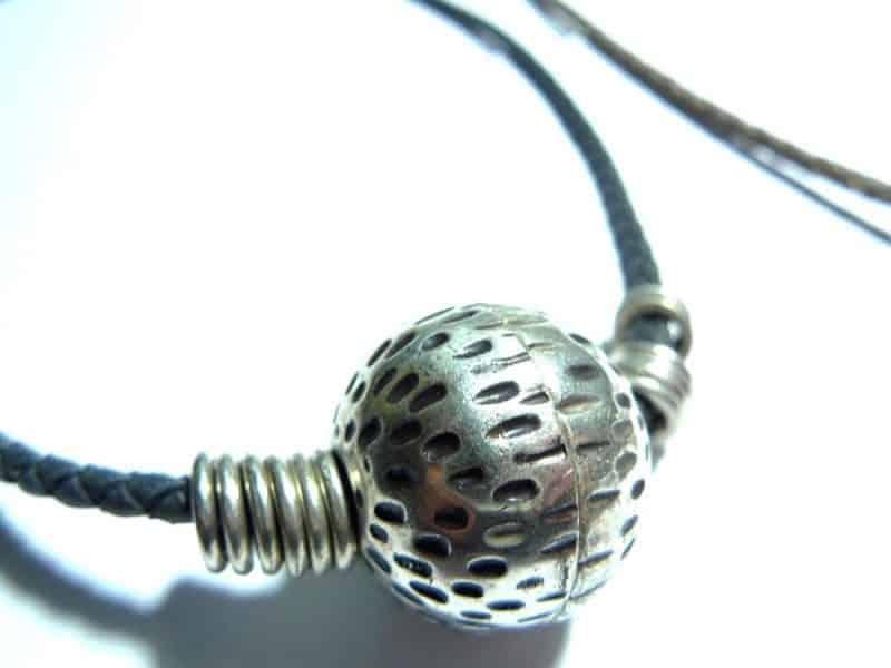 Collar gargantilla bola plata y trenzado