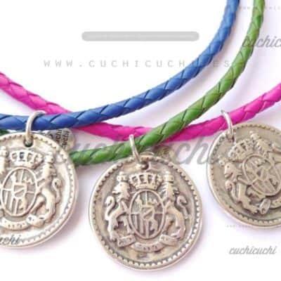 Collar moneda grande heraldico y trenza