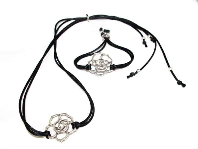 Conjunto collar y pulsera Rosa calada
