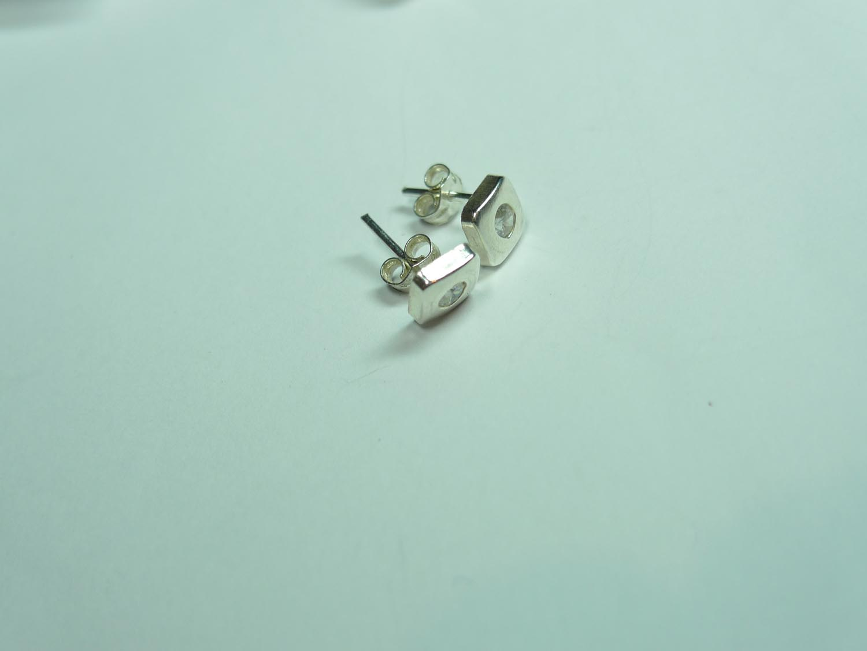 49305068dd64 Pendientes plata cuadrado y cristal - Cuchicuchi Regalos ...