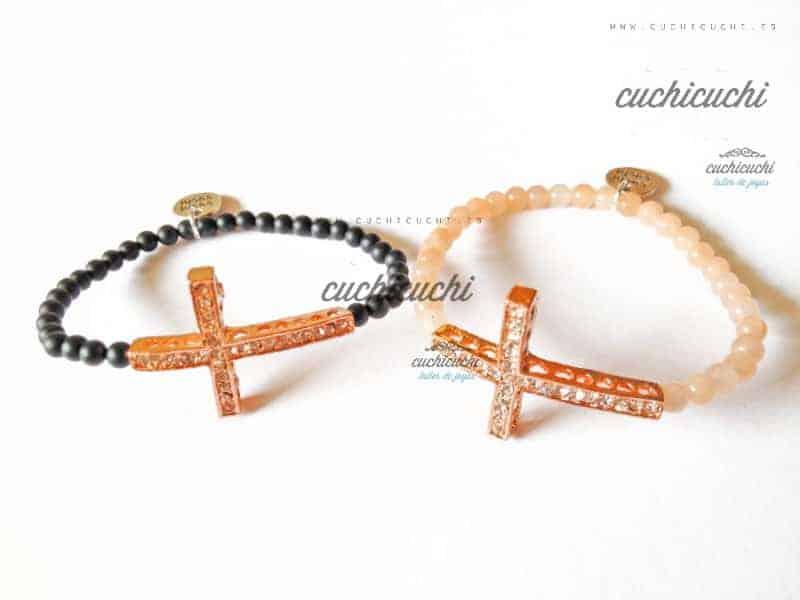 Pulsera con cruz de brillantes y oro rosa
