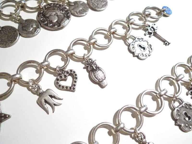 Pulsera de plata con charms bañada