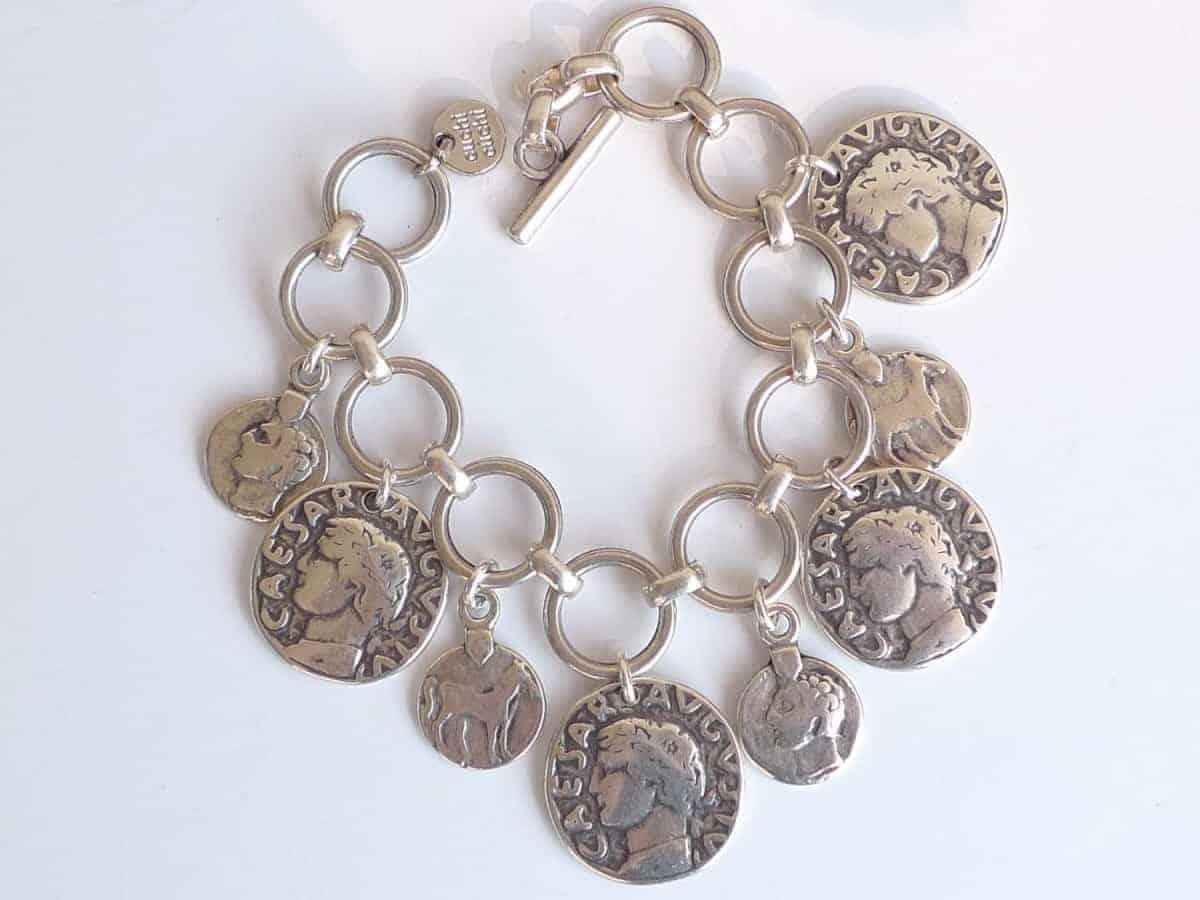 Pulsera plata bañada monedas Cesar