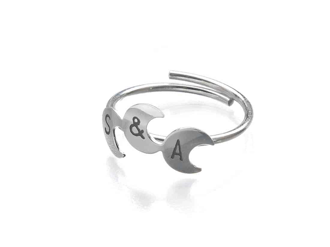 anillo personalizado tres lunas