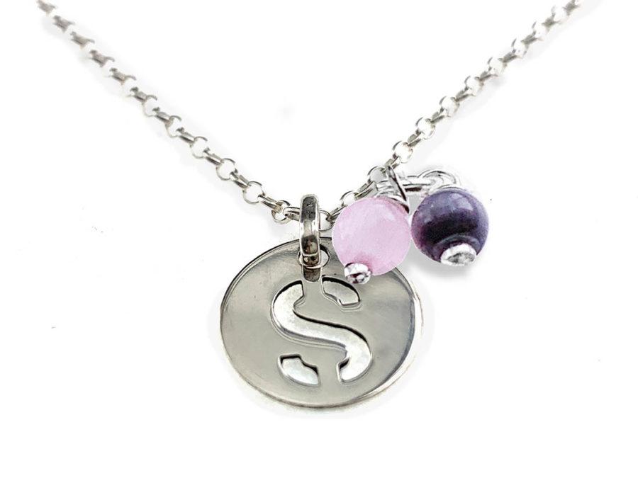 collar iniciales letras cristal