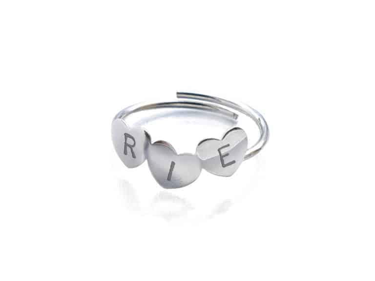 anillo tres corazones personalizado