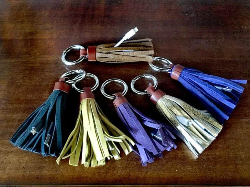 regalos pompon madera regalo bolso llaves
