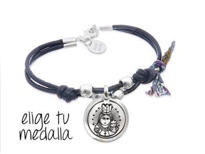 Pulsera personalizada cuero negro Virgencita plis